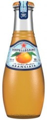 5266192_San Pellegrino Sparkling Fruit Beverage  Aranciata 200mL Glass FRONT CGI 10.21.19